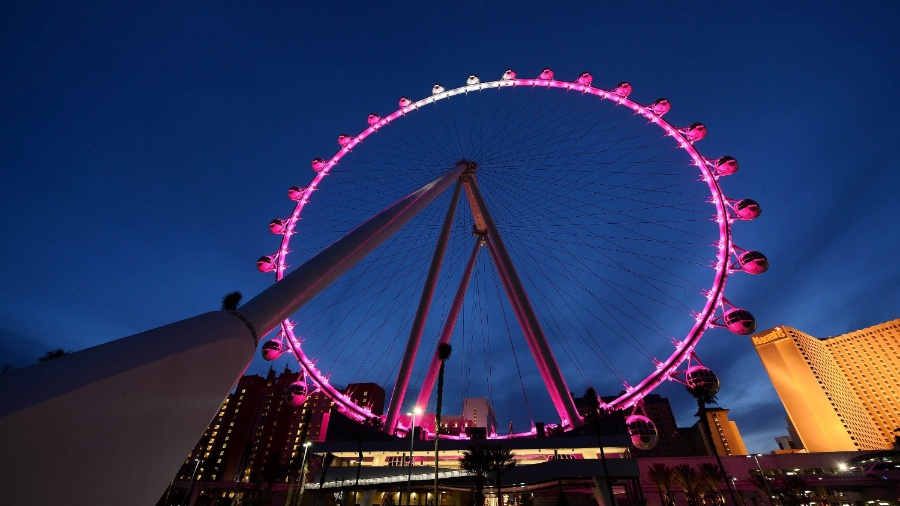 Visão do Las Vegas High Roller, em Las Vegas, uma das maiores rodas gigantes do mundo - Ethan Miller/Getty Images/AFP