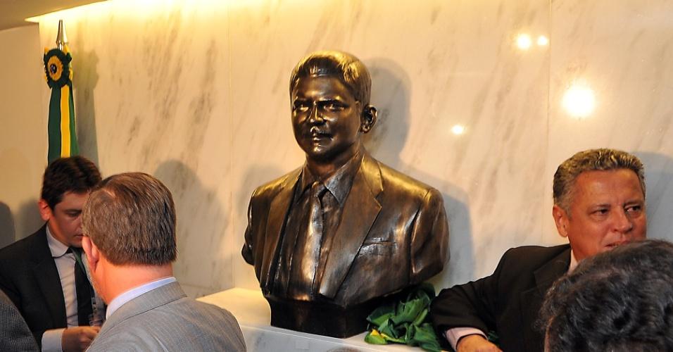 1º.abr.2014 - Câmara dos Deputados inaugura busto do ex-deputado Rubens Paiva, cassado e morto na ditadura