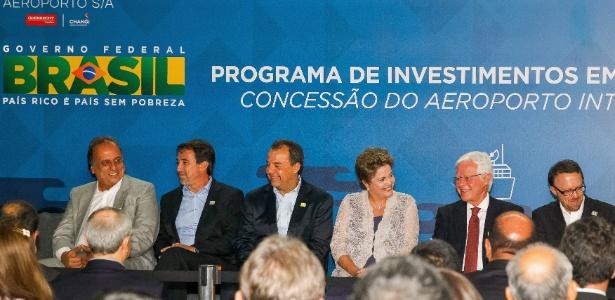 Dilma Rousseff participa de cerimônia de assinatura do contrato de concessão do Aeroporto do Galeão
