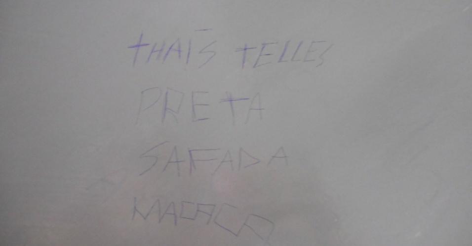 Ofensa foi escrita no banheiro da faculdade