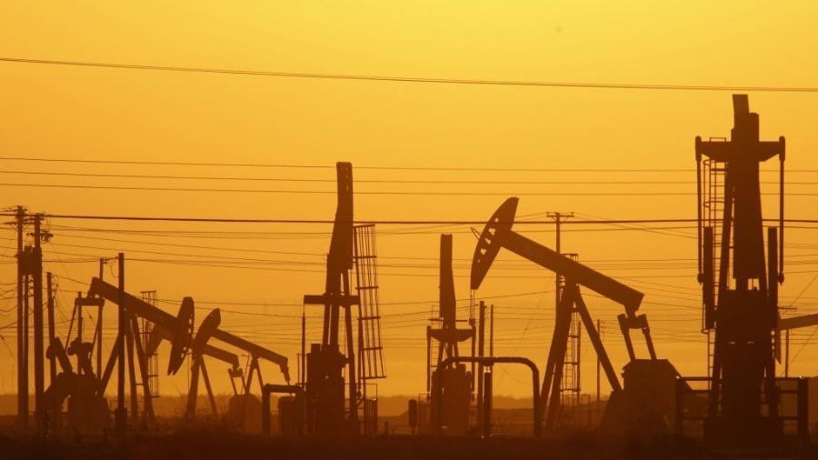 Posto de extração de gás de xisto na Califórnia (Estados Unidos) - David Mcnew/AFP