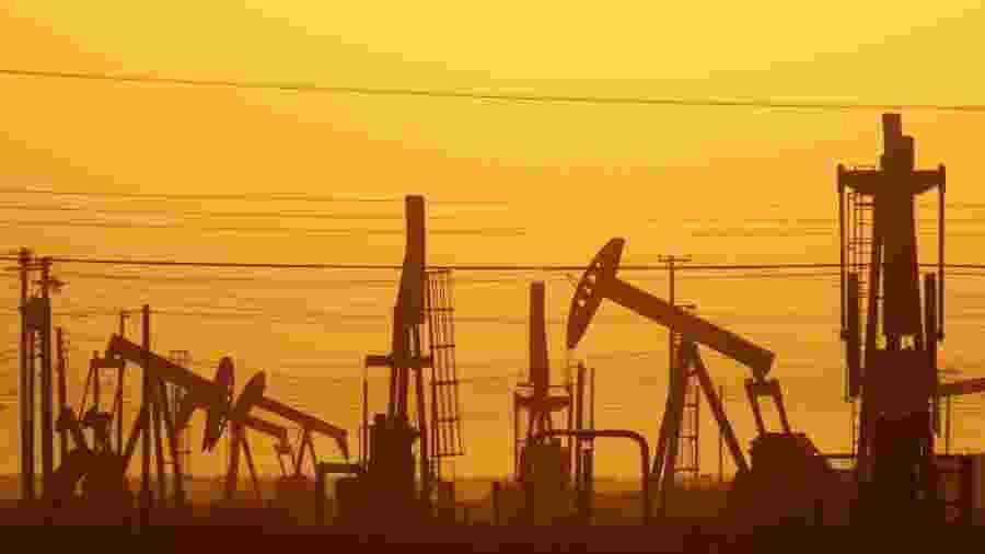 Posto de extração de gás de xisto na Califórnia - David Mcnew/AFP