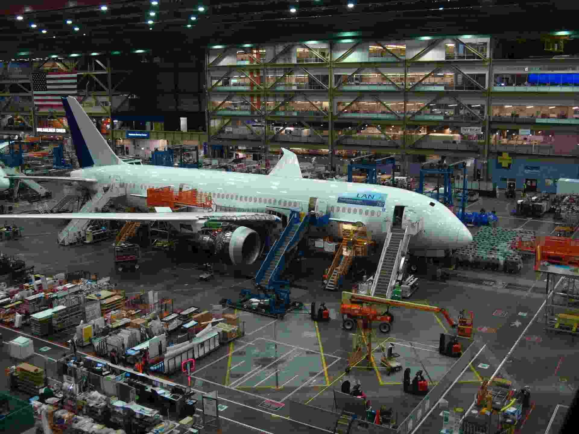 Montagem de Boeing 787 - Armando Pereira Filho/UOL