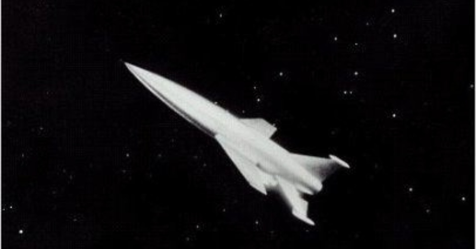 """11.abr.2014 - Na produção """"O fim do mundo"""", um cientista alerta que um planeta está em um rota de colisão com a Terra"""