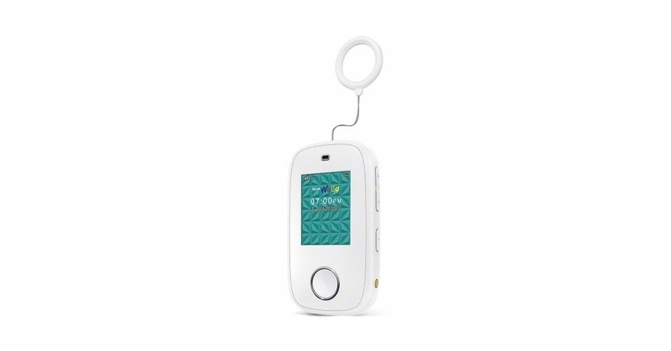 14.abr.2014 - O celular WeGo foi feito especificamente para crianças: elas só podem ligar e enviar mensagens para números cadastrados pelos pais. O aparelho também pode ter a localização rastreada, além de mostrar alertas automáticos se é desligado inesperadamente ou o botão de pânico acionado. O WeGo é vendido pela operadora Sprint nos Estados Unidos por US$ 120 (R$ 265), sob contrato de dois anos