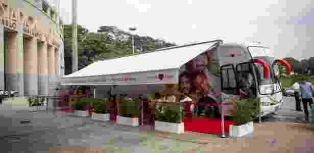 O Ônibus do Carinho funciona como uma estação móvel para coleta de sangue - Divulgação
