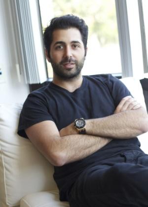 Justin Mateen, 28, cofundador e diretor de marketing do Tinder, acredita que o aplicativo faz sucesso, pois facilita a socialização das pessoas - Divulgação