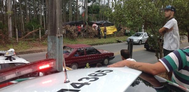 Polícia monitora famílias de sem terra em nova invasão em Florianópolis