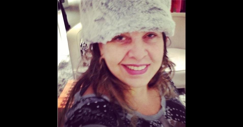 A cantora Roberta Miranda (@robertamiranda) costuma publicar vários 'selfies' (autorretratos) no Instagram. Ela tira várias fotos em frente ao espelho, além de aparecer com outros artistas