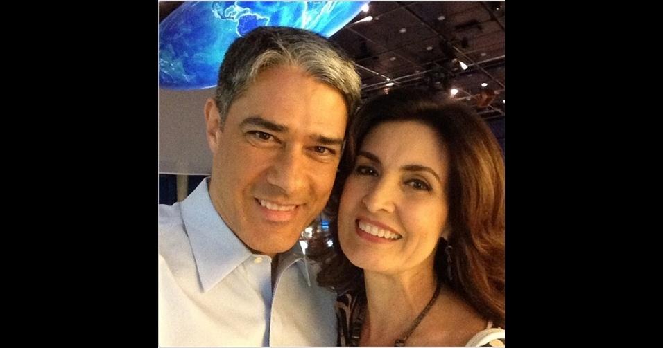 O jornalista William Bonner (@realwbonner), apresentador do ''Jornal Nacional'', é um assíduo publicador de 'selfies'. No Instagram, ele aparece tanto em momentos em família (acima, com a mulher, Fátima Bernardes) como nos bastidores da TV Globo