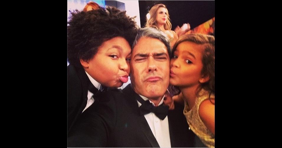 O jornalista William Bonner (@realwbonner), apresentador do ''Jornal Nacional'', é um assíduo publicador de 'selfies'. No Instagram, ele aparece tanto em momentos em família como nos bastidores da TV Globo