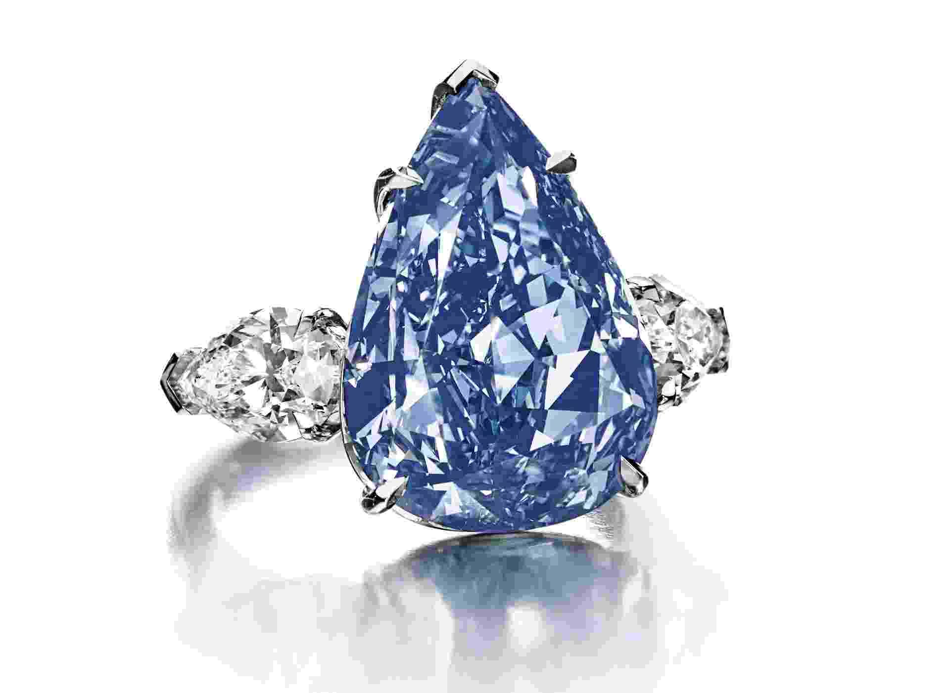 """""""THE BLUE"""", AVALIADO EM US$ 21 MILHÕES - O diamante talhado em forma de pêra tem peso de 13,22 quilates. Considerado o maior do mundo em sua categoria, ele será leiloado em 14 de maio em Genebra, anunciou a Christie's - Divulgação"""