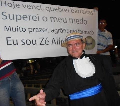 Zé Alfredo iniciou os estudos aos 37 anos e passou no vestibular