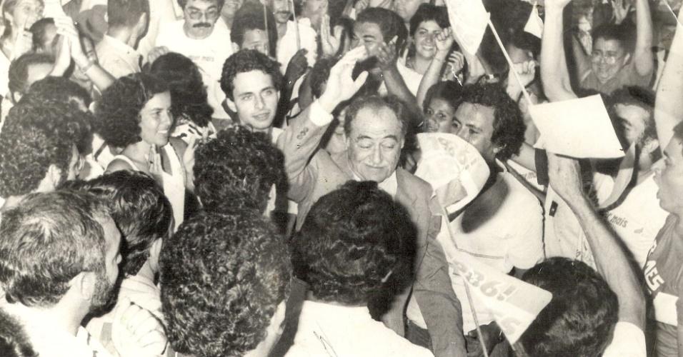 2.mai.2014 - O ex-governador de Pernambuco Eduardo Campos em 1986, após campanha que reelegeu Miguel Arraes como governador de Pernambuco