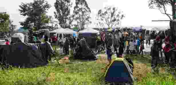 Cerca de 1.500 famílias integrantes do Movimento dos Trabalhadores Sem-teto invadiram um terreno próximo ao Estádio Itaquerão, na zona leste de São Paulo - Peter Leone/ Futurapress/ Estadão Conteúdo