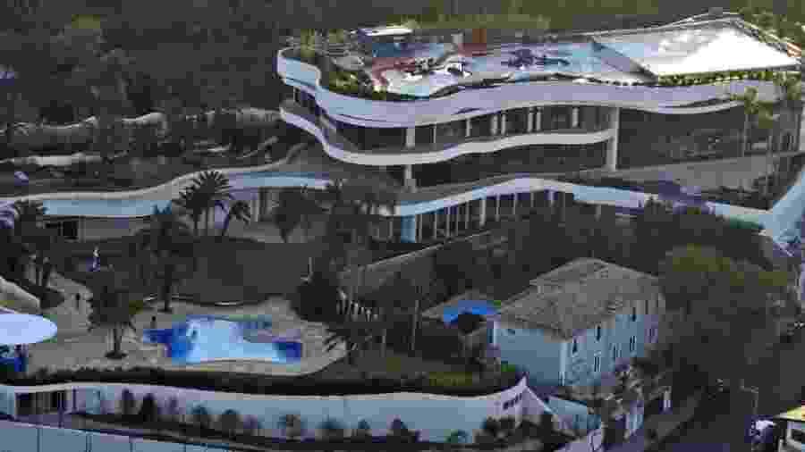 Imagem aérea da mansão do banqueiro Edemar Cid Ferreira, ex-controlador do Banco Santos, no bairro do Morumbi, em São Paulo - Onne Roriz/Agência Facto/Agência Estado - 01.07.2004