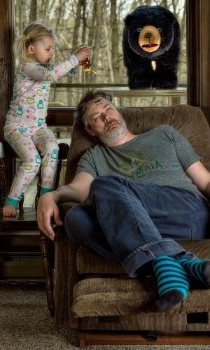 7.mai.2014 - O americano Dave Engledow bolou uma forma de documentar a infância de sua filha, Alice Bee, de uma forma com que o material se tornasse um tesouro para quando ela se tornasse adulta