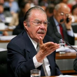 O senador José Sarney (PMDB-AP) em comissão do Senado