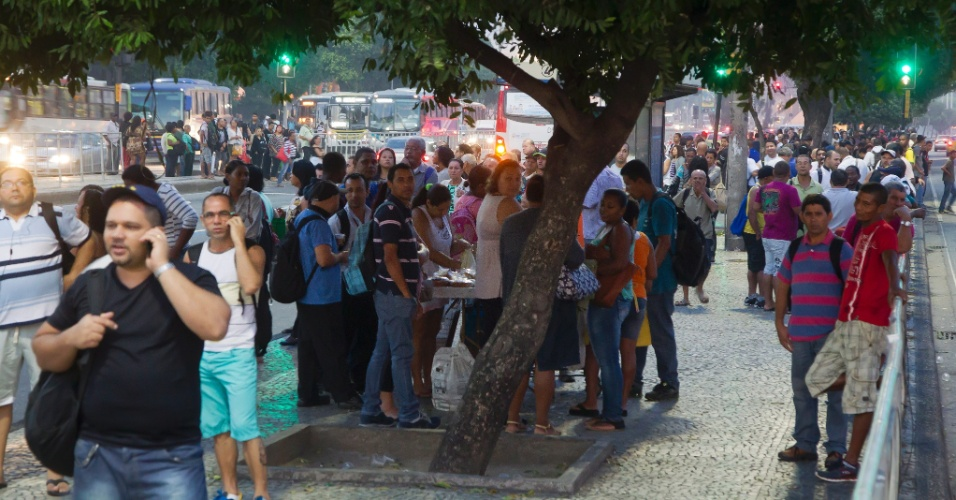 Cobradora de onibus de brasilia