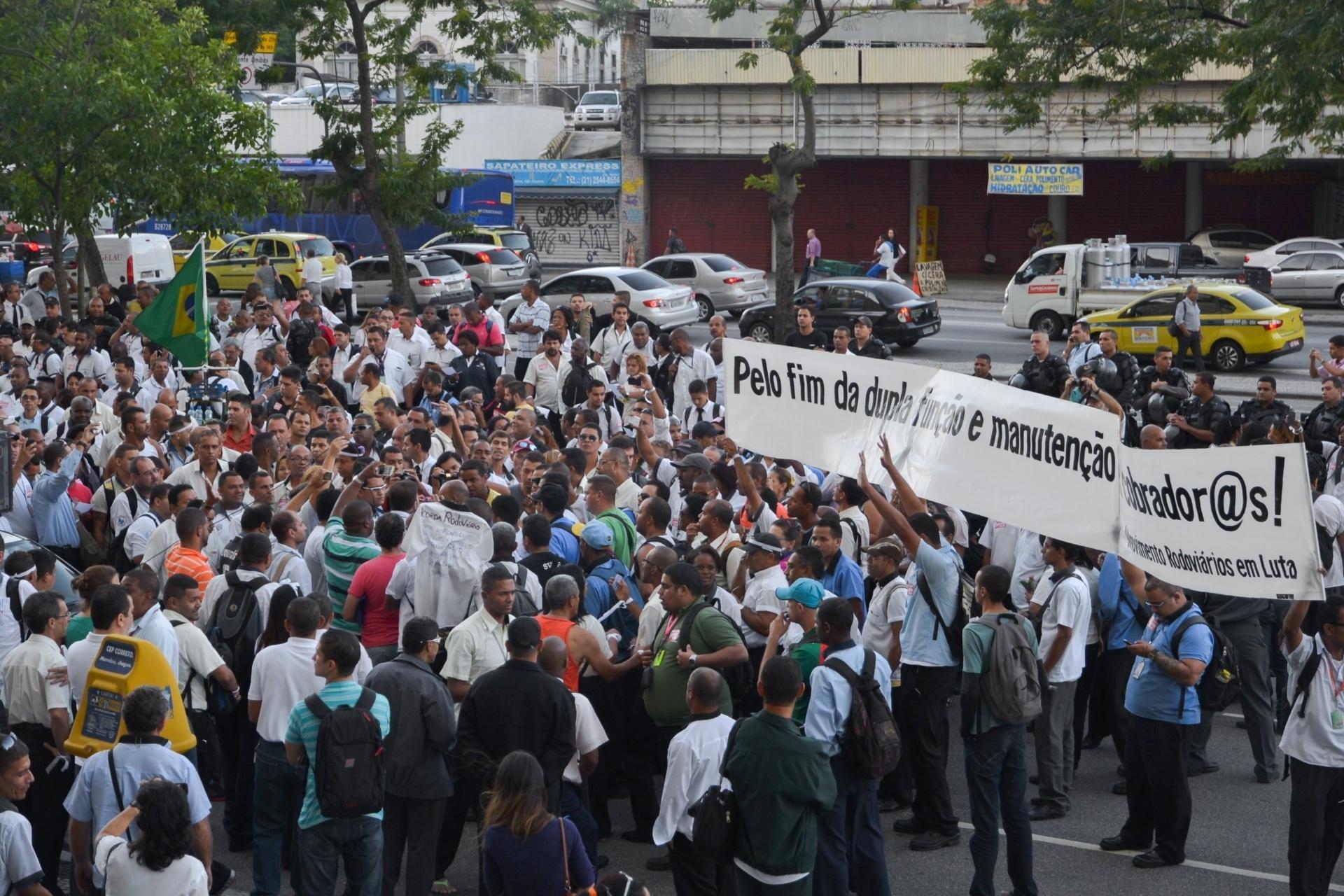 d79edc565bf07 Protestos no Rio de Janeiro - BOL Fotos - BOL Fotos