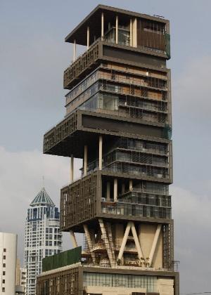 """O Antilia, em Mumbai, só é mais """"barato"""" que o Palácio de Buckingham"""