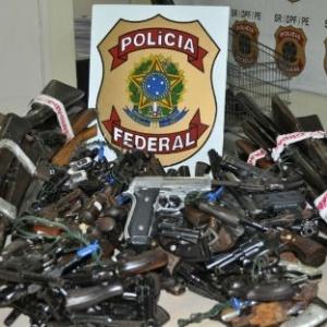Armas são entregues em campanha de desarmamento em Pernambuco - Divulgação/Polícia Federal - 19.mai.2014