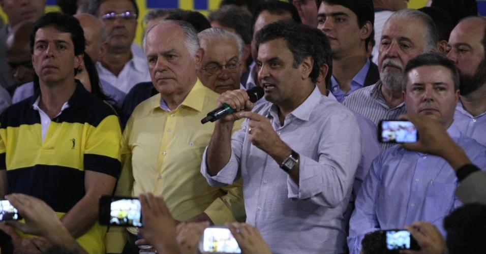Lançamento oficial das pré-candidaturas a vice-governador do deputado Dinis Pinheiro (PP), na chapa de Pimenta da Veiga (PSDB), e a senador do ex-governador Antonio Anastasia (PSDB), nesta segunda-feira (19) na sede do Ginásio do Cruzeiro, no Barro Preto, em Belo Horizonte (MG). Liderado pelo senador Aécio Neves, pré-candidato à Presidência da República, a aliança batizada de Movimento Todos por Minas reuniu cerca de 2.500 políticos, entre prefeitos, parlamentares e militantes
