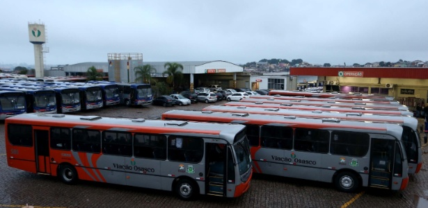 Ônibus da EMTU em Osasco em foto de maio de 2014
