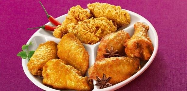 O Mc Donald's da China oferece uma porção de asas de frango marinadas, o Yanju Flavor Mc Wings, com ou sem crosta crocante