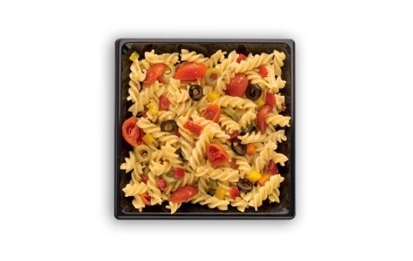 O Mc Donald's da Itália oferece no cardápio uma salada de macarrão fusilli, azeitonas verdes e pretas, tomate cereja e pimentão