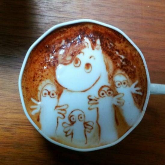 28.mai.2014 - Kazuki Yamamoto ganhou destaque nas redes sociais do Japão após começar a divulgar suas obras de arte em espumas de café com leite. Aos 27 anos, o japonês é considerado um dos pioneiros nesse tipo de