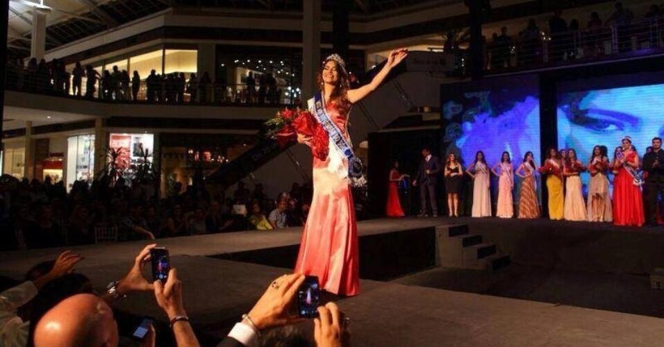 1º.jun.2014 - O perfil forte de Patrícia Machry, estudante de fisioterapia e modelo que representou Três Lagoas, lhe garantiu o título e a coroa de Miss Mato Grosso do Sul 2014. Em segundo lugar, ficou a bela de Bonito e em terceiro, a beldade de Chapadão do Sul