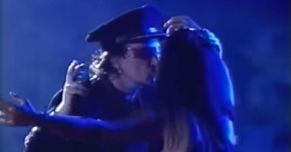 Katilce Miranda beija Bono Vox, do U2