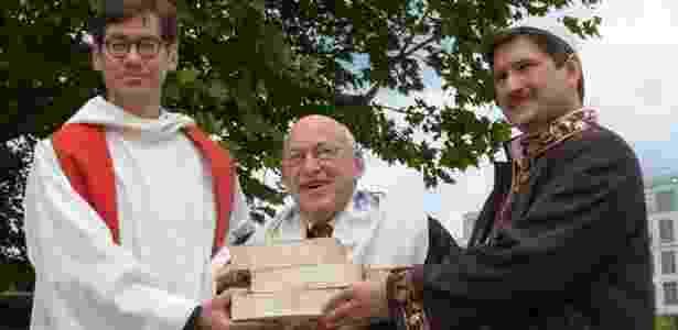 Da esq. para a dir.: pastor Hohberg, rabino Ben Chorin e imame Sanci - DW