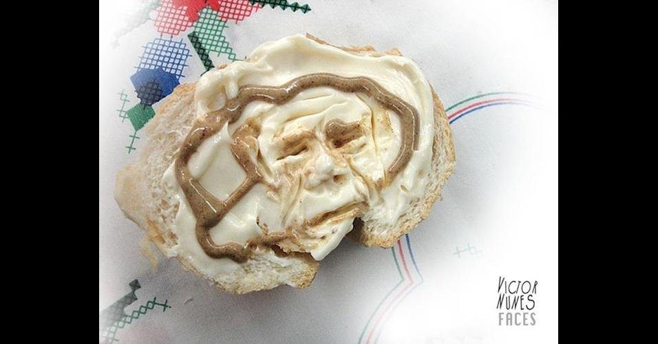 6.jun.2014 - O publicitário paulista Victor Nunes, 65, vê carinhas em tudo: ele usa os mais variados tipos de comida e objetos para desenhar rostos. Eles aparecem em uvas, coxas de frango, calda de chocolate e até na espuma do café. ''Ainda é uma brincadeira, uma diversão e grande terapia'', conta o artista. As criações dele podem ser conferidas na página do Facebook Victor Nunes Faces (https://www.facebook.com/victornunesfaces)
