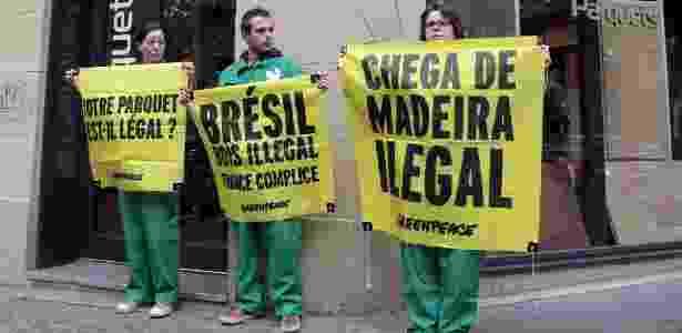 Protestos contra madeira ilegal - Jacques Demarthon/AFP - Jacques Demarthon/AFP
