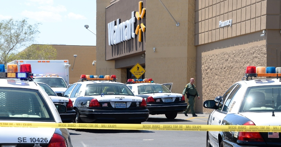 8.jun.2014 - Um tiroteio em um centro comercial de Las Vegas (Nevada) matou cinco pessoas neste domingo (8), entre elas dois policiais. Duas das vítimas são os dois supostos autores dos disparos, que abriram fogo em uma movimentada região da cidade, por motivos ainda desconhecidos