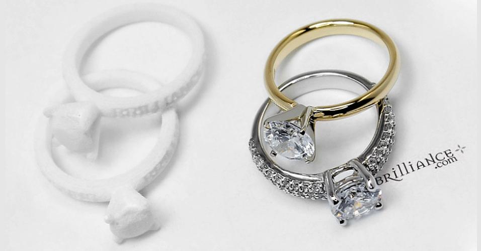 A joalheira Brilliance usa anéis feitos em impressoras 3D para ajudar seus clientes a escolherem o modelo ideal. O usuário pode solicitar somente o modelo digital para imprimir em casa ou pedir o anel já impresso. De acordo com a loja, o objetivo é auxiliar os internautas a resolverem questões como tamanho da circunferência e formato dos diamantes e outras pedras preciosas