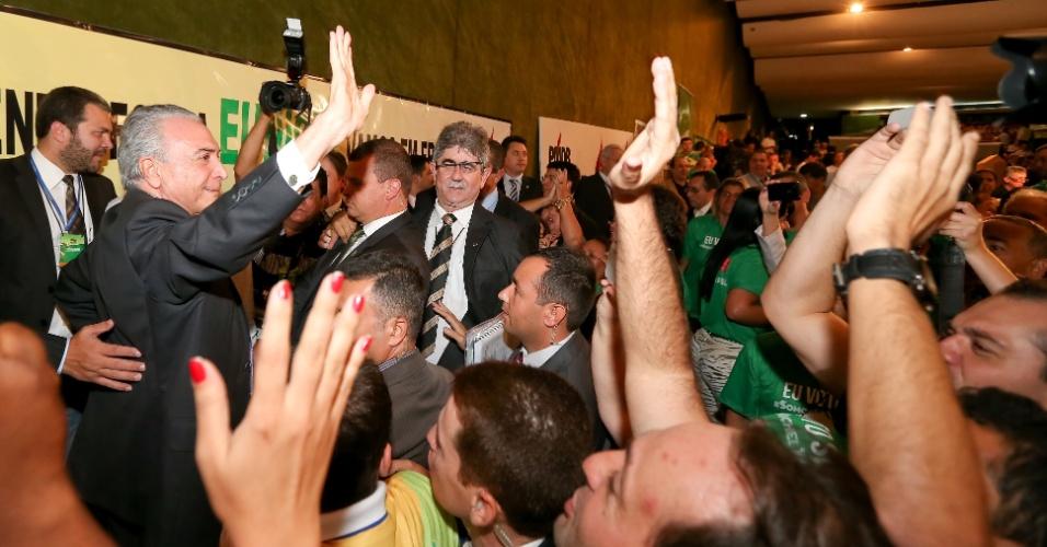 Dissidentes do PMDB querem liberdade nos Estados após renovação de apoio ao PT