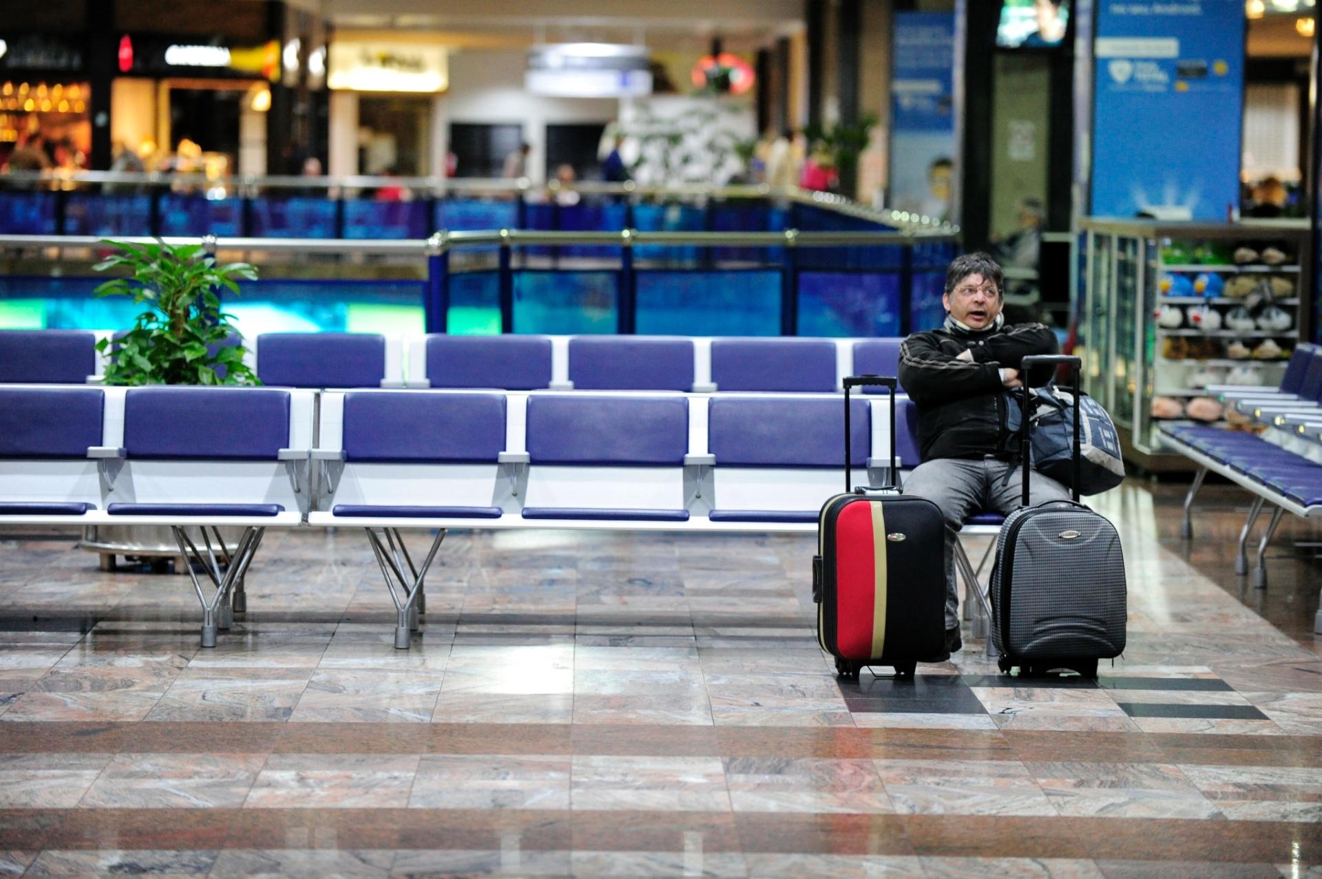 dac21fe6324 Loja em aeroporto custa de 3 a 4 vezes mais que em shopping