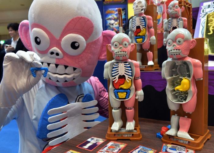 Fabricante Megahouse apresentou na feira um brinquedo de anatomia humana.  A página oficial da empresa não divulga informações sobre preço ou disponibilidade do produto