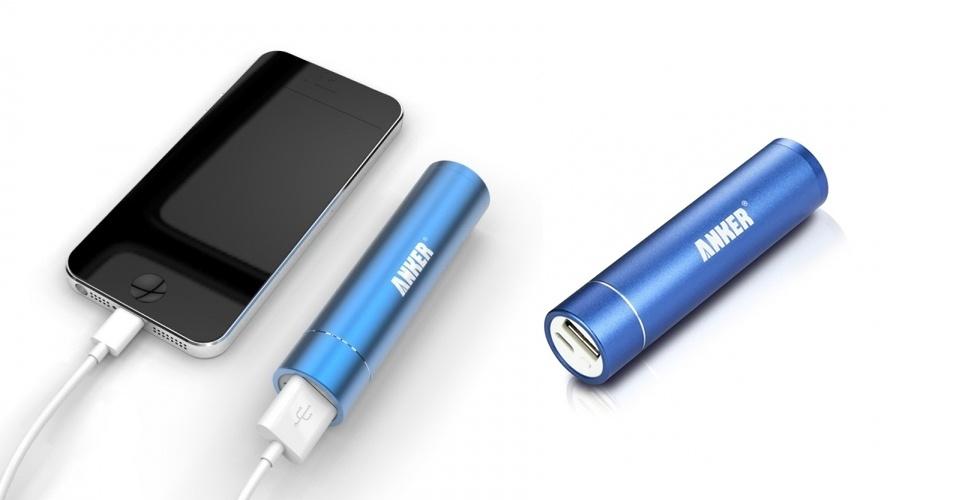 A bateria externa Anker Astro Mini fornece recarga completa para a maioria dos smartphones disponíveis no mercado. Do tamanho de um batom (cerca de oito centímetros), o acessório precisa ser carregado antes do uso. Após isso, basta levá-lo na bolsa junto com o cabo do smartphone e utilizá-lo quando a bateria estiver prestes a acabar. O gadget está disponível na loja da Amazon em quatro cores por US$ 20 (cerca de R$ 45)