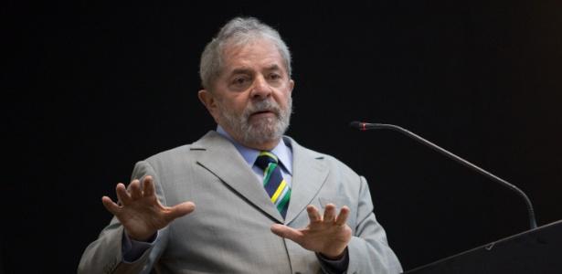 Lula defendeu punição que a Fifa aplicou ao atacante uruguaio Luis Suárez, que mordeu o zagueiro Chiellini