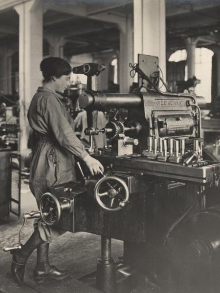 Fábrica de munição na França (1916) - Archive of Modern Conflict London/Reuters