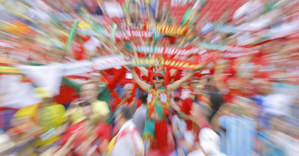26.jun.2014 - Torcedores de Portugal antes do jogo na Copa do Mundo da FIFA entre Portugal e Gana no Estádio Nacional, em Brasília