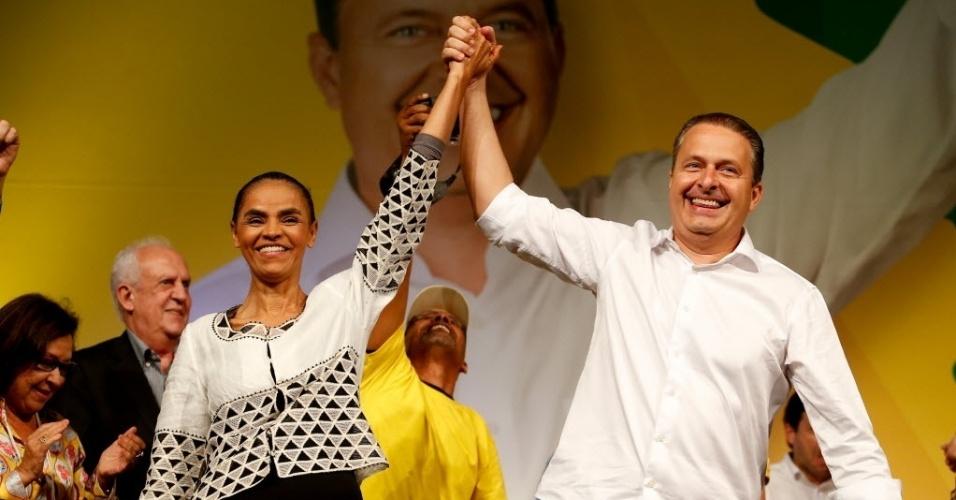 28.jun.2014 - Eduardo Campos e Marina Silva durante convenção nacional do PSB, que lança os nomes dos dois como candidatos à presidente e vice, no Centro Internacional de Convenções em Brasília