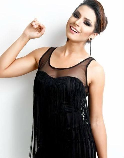 1º.jul.2014 - Nicole Moreira é a Miss Mundo DF Brasil 2014. Ela tem 20 anos e 1,72 metro de altura. Moradora de Brasília, Nicole participa pela primeira vez de um concurso de beleza