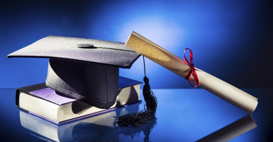 Formação acadêmica, estudo, graduação