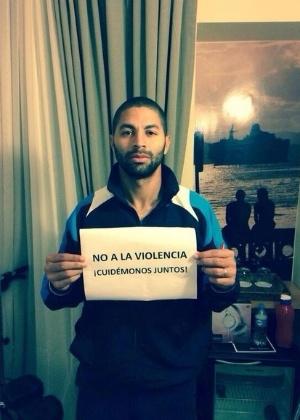 O atacante da Costa Rica, Álvaro Saborío, postou foto em sua página no Facebook - Reprodução/Facebook