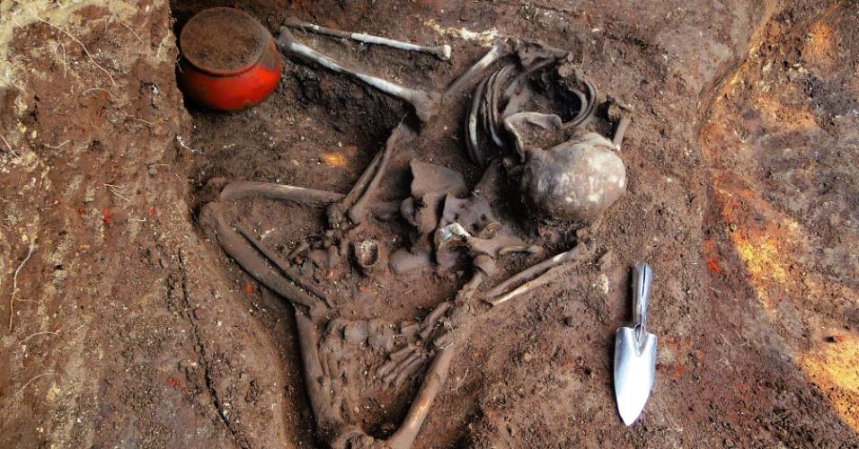 4.jul.2014 - Imagem veiculada pela secretaria de Cultura de El Salvador, nesta sexta-feira (4), mostra o local onde foram enterrados restos humanos há 1.600 anos. O local foi descoberto por arqueólogos japoneses e salvadorenhos na cidade de Nueva Esperanza, a 90 km de San Salvador, no dia 11 de abril